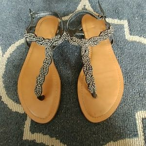 Mossimo size 6 and 1/2 flip flop sandals